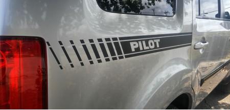 Honda Pilot Stripe  Matte Black